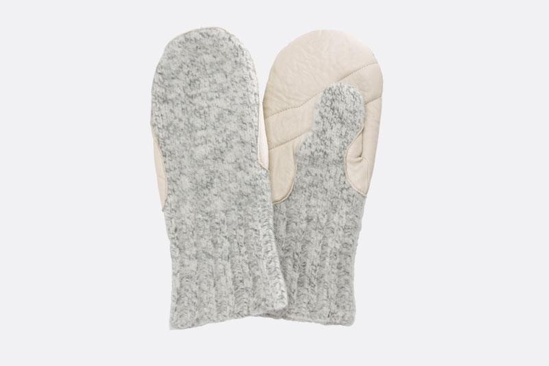 Fäustlinge aus Schafschurwolle mit Lederbesatz