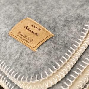 Kuscheldecken aus Schafschurwolle